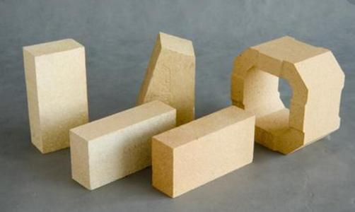 粘土砖也称为烧结砖,是建筑用的人造小型块材